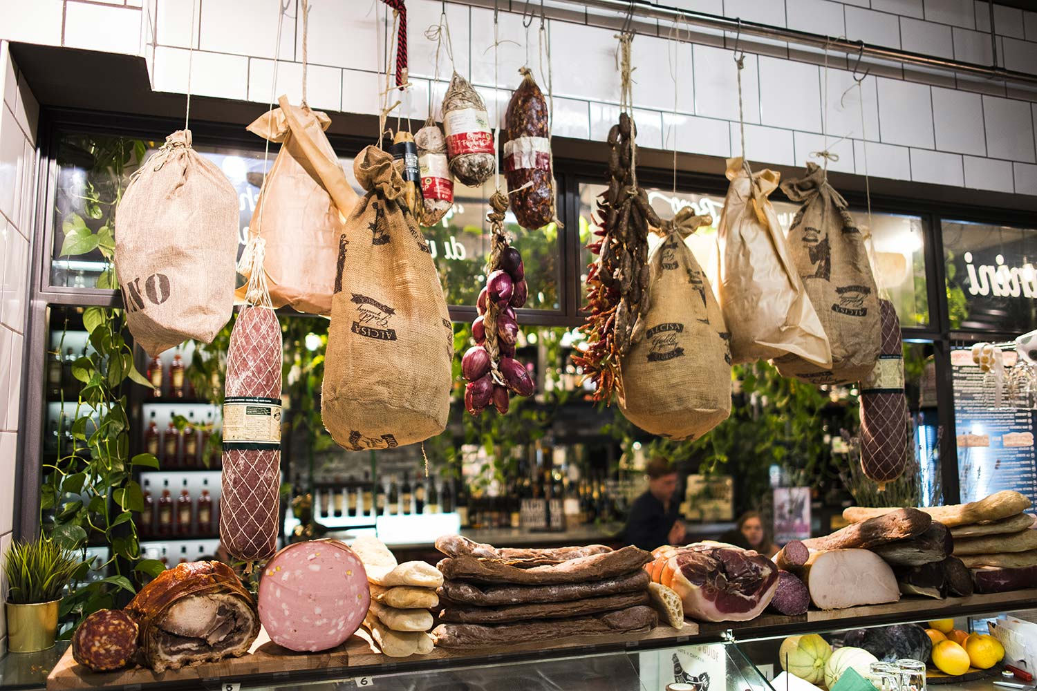 botteganostrana-location-salumi